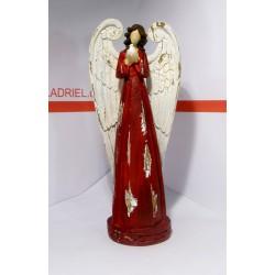 Anděl v červené róbě s holubicí 30 cm